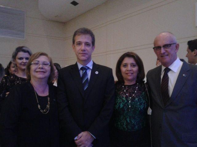 Iolete Arruda com representantes de entidades que congregam secretários municipais de saúde