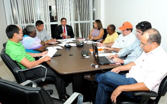 Zé Inácio discutiu com líderes de centrais sindicais projeto de lei que prevê regularização do piso salarial dos trabalhadores do Estado do Maranhão