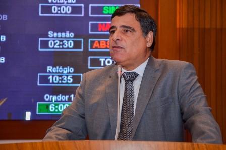 Max Barros apresentou projeto de lei que aperfeiçoa a regulamentação do transporte alternativo