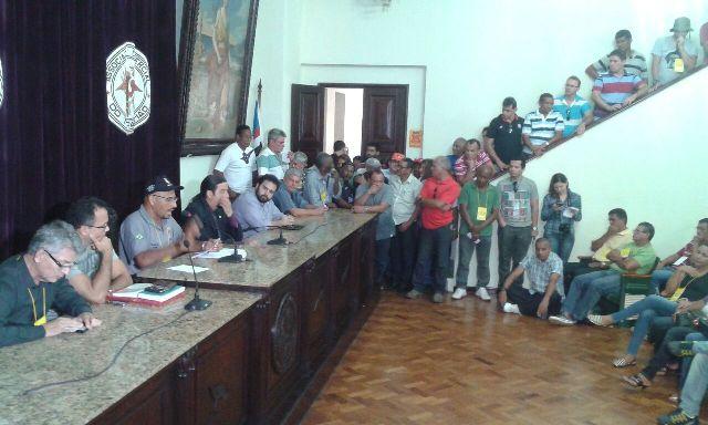 Policiais civis votam proposta salarial para apresentar ao governo e indicativo de greve