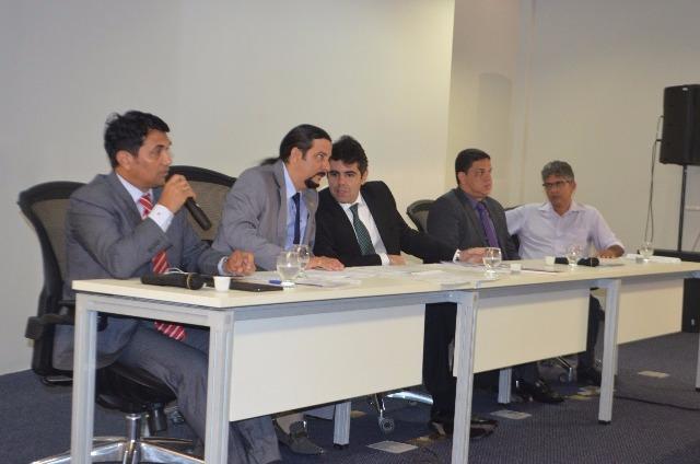 Deputados se reunirão com Prefeitura, MP, Corpo de Bombeiros, SPU e Segep para discutir licenças e contratos