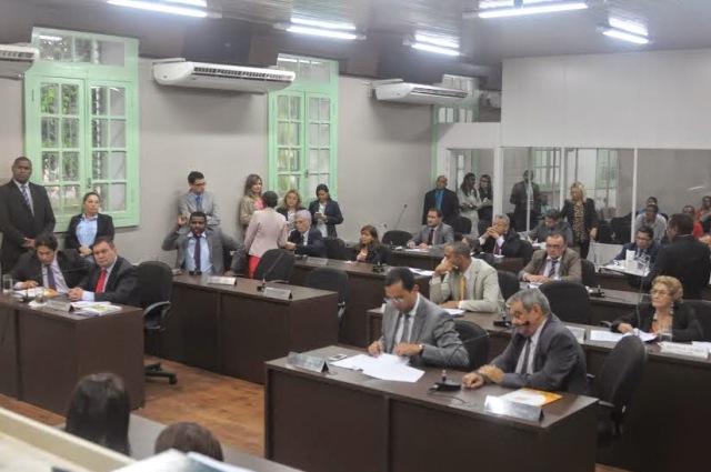 Representantes da Prefeitura apresentaram a vereadores contas relativas ao primeiro quadrimestre do ano