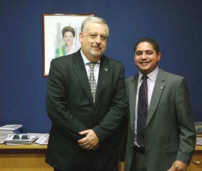 Deputado Zé Inácio discutir situação de rádios comunitárias com o ministro Berzoini