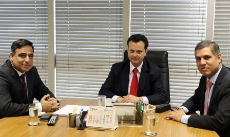 Max Barros conversou com o ministro das Cidades, Gilberto Kassab, sobre o andamento de várias obras, entre elas a construção de unidades residenciais do Minha Casa, Minha Vida, e sobre questões políticas