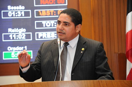 Deputado Zé Inácio solicita contratação imediata de delegados civis