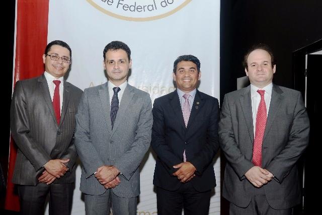"""Wellington participou do Simpósio """"Democracia representativa em crise: problemas e soluções"""", na UFMA"""