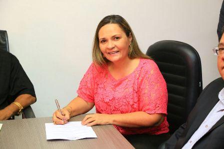 Aila Freitas dará prosseguimento às políticas  da atenção básica e empreenderá novas ações na área de saúde no município