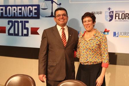 Dra. Ana Sueli de Salles com o também palestrante Eduardo Corrêa
