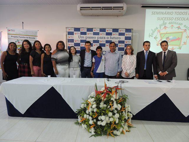 Prefeito Josemar Sobreiro compôs a mesa do seminário, que teve como objetivo, garantir oportunidades para o diálogo