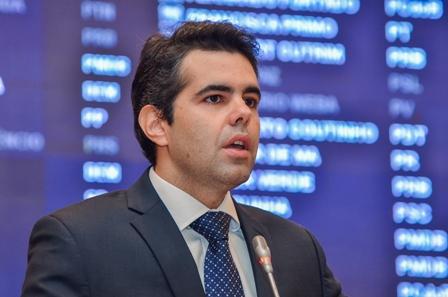 Adriano Sarney sugeriu que a Comissão de Assuntos Econômicos faça o detalhamento e marque uma audiência com o presidente do BNDES, para conhecer os critérios para liberação de créditos e financiamentos