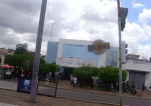 Viva Cidadão está passando por demonte ante da mudança para o antigo Casino Maranhense