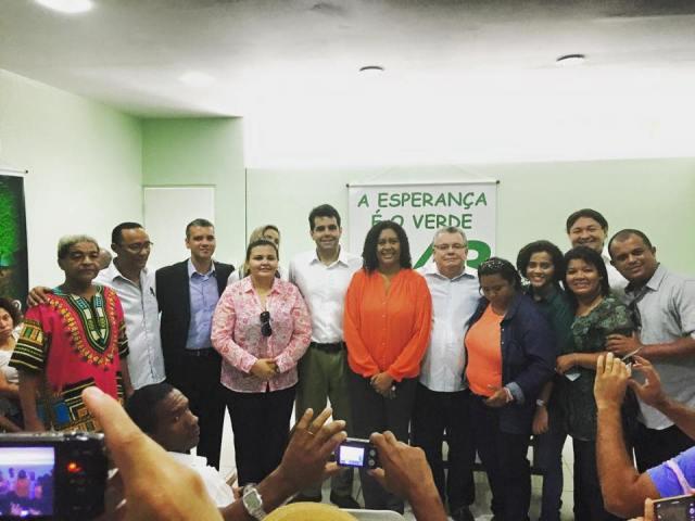 Rose Sales com o deputado Adriano Sarney e outros filiados na posse da Comissão Executiva do PV em São Luís