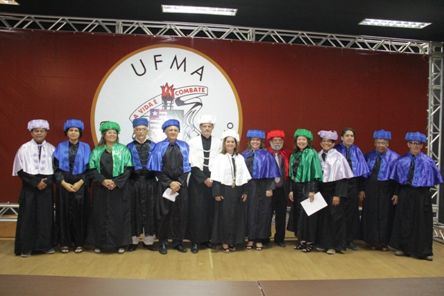 Reitora Nair Portela com a equipe que a ajudará a administrar a UFMA