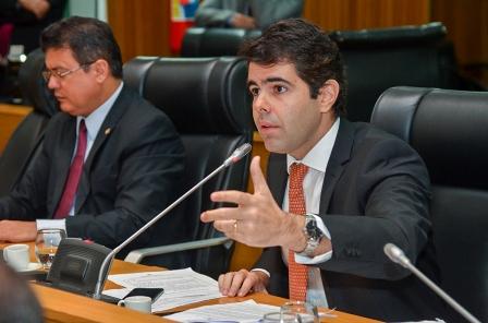 Adriano Sarney deu responde deu resposta à altura à tentativa de Marcos Play de denegrir o governo anterior