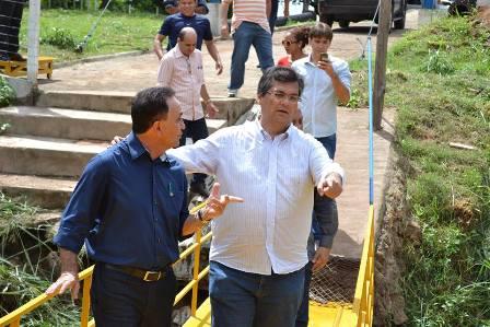 Com o governador Flávio Dino durante inauguração de obra