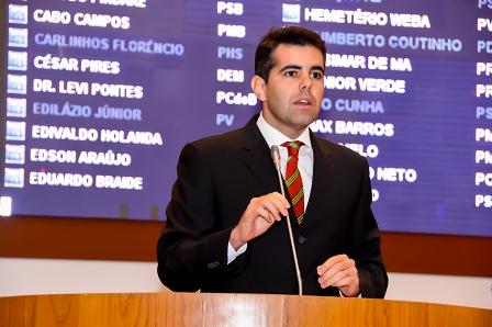 """Adriano: """"Flávio Dino agora tem que trabalhar pelo povo do Maranhão para conquistar votos, pois o artifício de culpar a oligarquia não convence mais"""