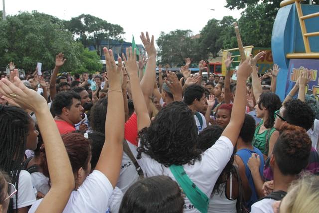 Tentativa de agressão à imprensa desvirtuou manifestação, até então legítima (Foto: De Jesus/O Estado)