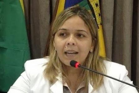Luciana Mendes foi a autora do requerimento