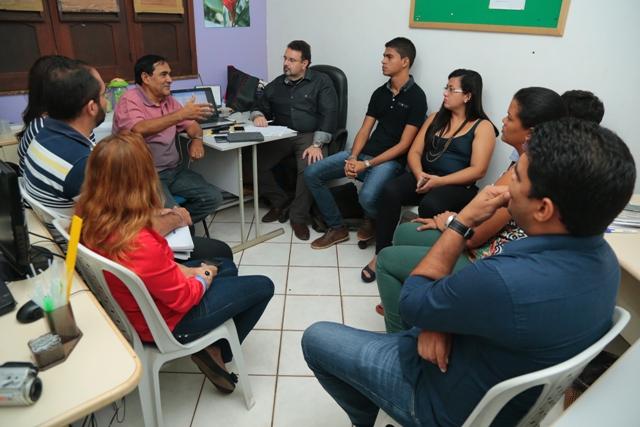 Implantação do novo sistema de habitação em Paço do Lumiar foi tratada em reunião técnica