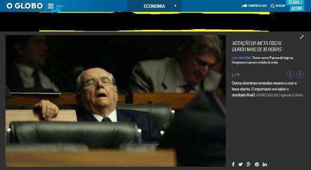 João Castelo não suportou a sessão puxada e caiu no sono no plenário