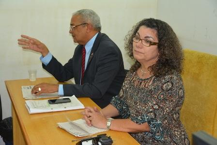 Promotores Paulo Avelar e Luciane Belo mediaram negociação entre sindicato e Semed