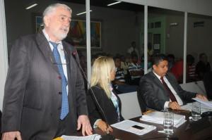 Vereador Sebastião Albuquerque pede que trânsito seja reorganizado