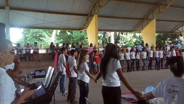 Alunos da rede municipal e técnicos de referência do Cras e do Creas assistiram a palestras