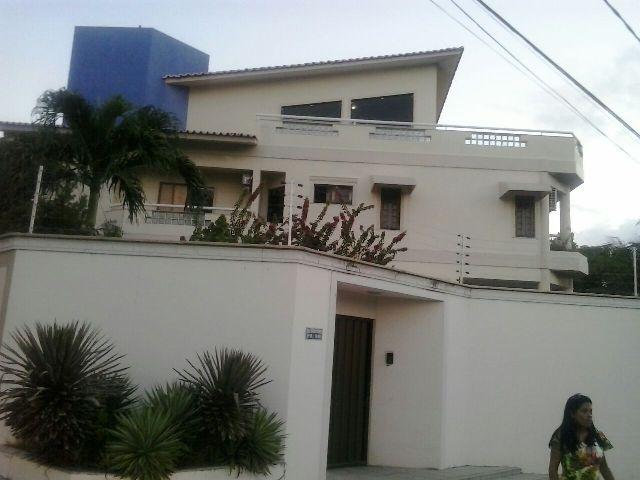 Residência da família Rocha, no Calhau, assaltada por cinco bandidos