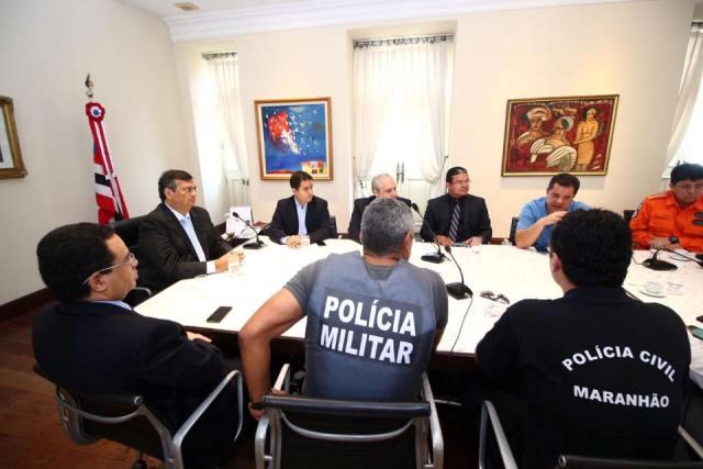 Flávio  Dino comandou reunião com a cúpula da segurança, mas ataques incendiários continuam