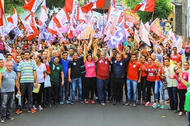 Zé Inácio participou to ato político, que contou com a participação de centenas de pessoas
