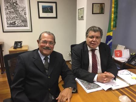 Albérico discutiu projetos importantes para Barreirinhas com Sarney Filho