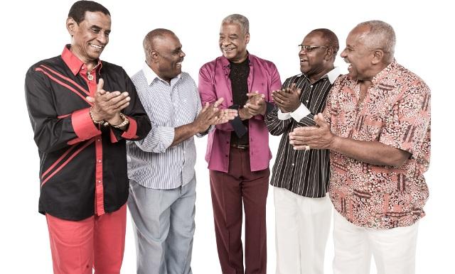 Grupo Fundo de Quintal foi o escolhido para festejar o Dia Nacional do Samba na Casa das Dunas