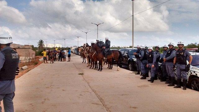 Até a cavalaria da PM foi acionada para dar suporte à operação (Foto: Priscila Petrus)