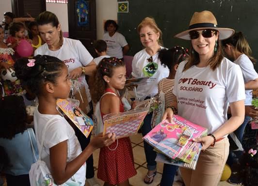 Alunos da Escola Cidinho Marques ganharam presentes doados por parceiros da iniciativa