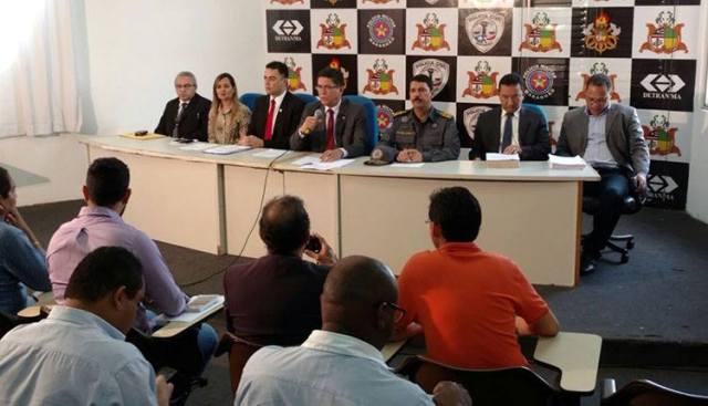 Secretário de Segurança, Jefferson Portela, divulgou o laudo à imprensa em entrevista coletiva
