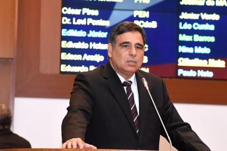 Max Barros lembrou que a atual gestão herdou um saldo de R$ 2,5 bilhões do governo passado