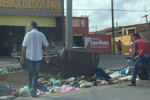 Lixo despejado pelos servidores públicos aumentou sujeira no local