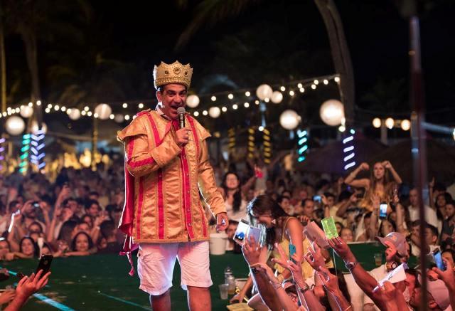 Durval Lelys fez história com shows memoráveis em São Luís e promete  arrebatar público novamente 68c6f47592651
