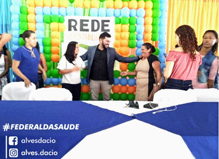 Dácio Alves é cumprimentado por lideranças jovens e do movimento popular ao  lançar-se pré-candidato a deputado federal d129a478e76f
