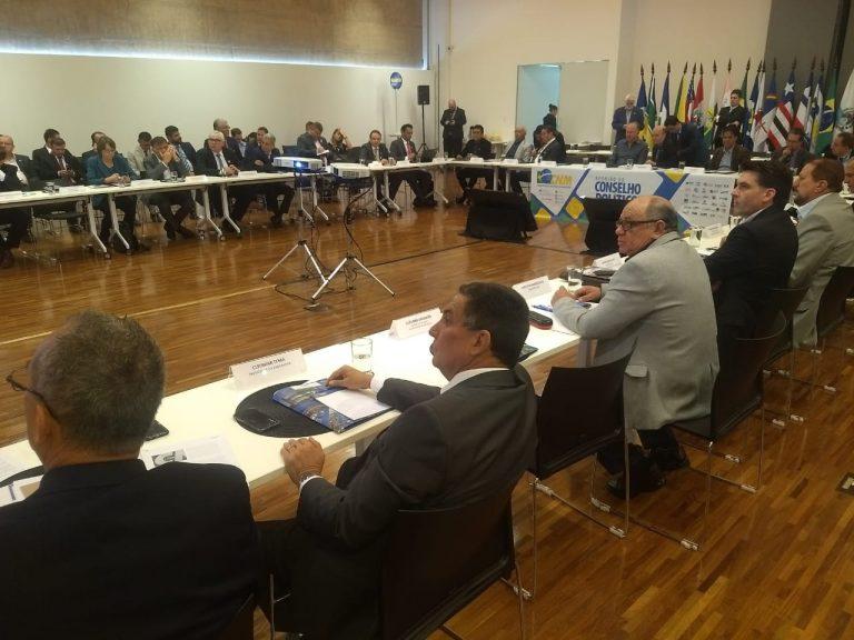 Em Brasília, Tema solicita que precatórios do Fundef e CAQi sejam discutidos com presidente da República