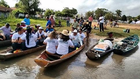 Carava do Forum navegando no Igarapé do Troitá - Cópia