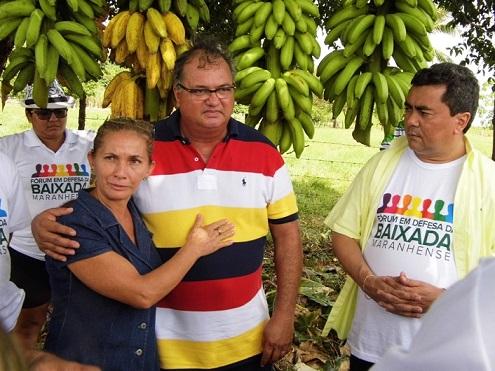 Dona Maria Bastos, presidente da Associação de Pacas, com Eduardo e Flávio Braga