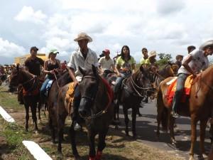 Cavalheiros e amazonas na 6ª Cavalgada de Sumaúma (Foto/M.Rodrigues)