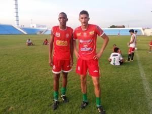 Zagueiros Ramon e Clayton (Foto/Carloto Jr.)