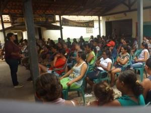Mães de alunos reunidas (foto/arquivo/divulgação)