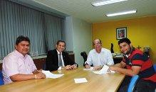 Secretário Hildo Rocha assina ordem de serviço (foto/Secom/divulgação)