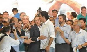 Senador Lobão Filho com a família e correligionários (Foto/Divulgação)