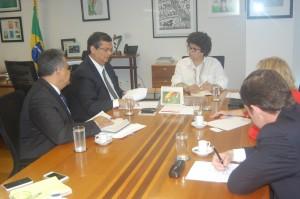 Governador Flávio Dino e a ministra Izabella Teixeira (Foto/Divulgação)