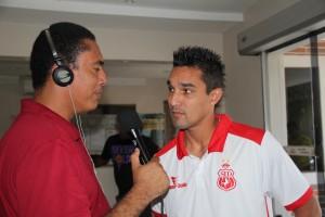 Clayton Carioca conversa com Júnior (Foto/André)