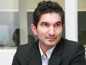 Alessandro Martins está internado no São Domingos
